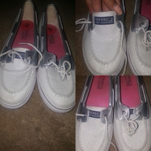 White & Silver Sperry worn twice !!! Size 6M